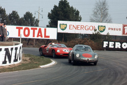 Romolo Rossi, Alfa Romeo Giulia SZ, lidera a John Surtees, Mike Parkes, Ludovico Scarfiotti, Lorenzo Bandini, Ferrari 250P
