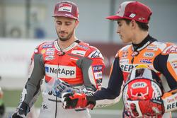 MOTO GP 2018 GRAND PRIX DES AMERIQUES Motogp-qatar-gp-2018-andrea-dovizioso-ducati-team-playing-a-joke-on-marc-marquez-repsol-ho