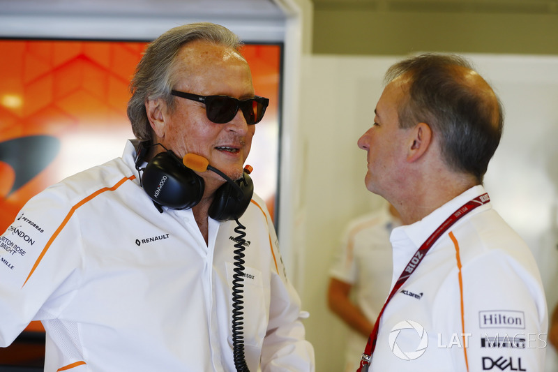 Mansour Ojjeh, co-propriétaire, McLaren, et Jonathan Neale, manager, McLaren