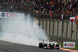 Sergio Perez, Sauber C31 locks up
