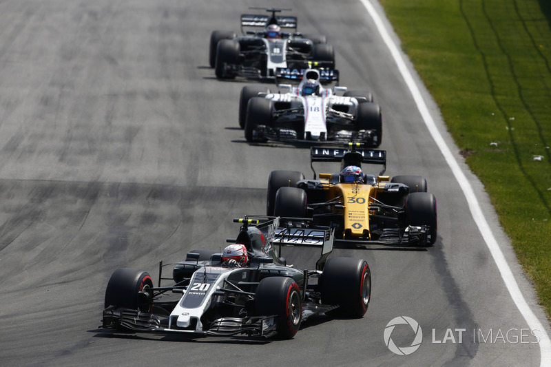 Kevin Magnussen, Haas F1 Team VF-17, Jolyon Palmer, Renault Sport F1 Team RS17, Lance Stroll, Williams FW40