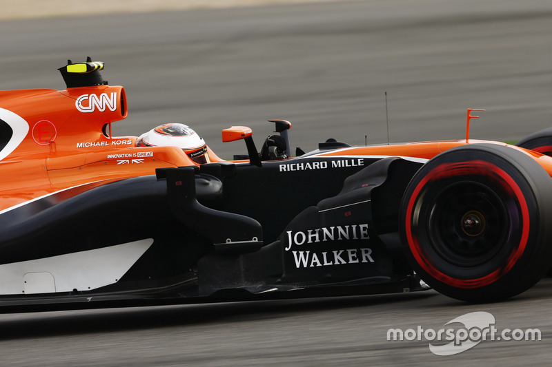 24 місце — Стоффель Вандорн, McLaren — 0