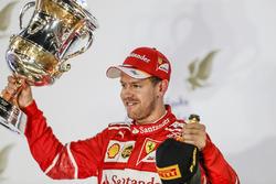 Yarış galibi Sebastian Vettel, Ferrari