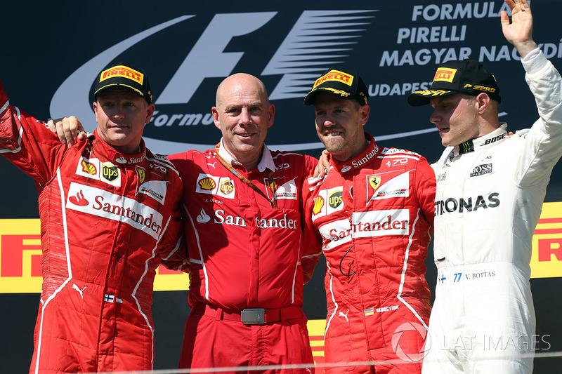 Podio: ganador de la carrera Sebastian Vettel, Ferrari, Kimi Raikkonen, Ferrari, el segundo lugar y tercer lugar Valtteri Bottas, Mercedes AMG F1, Jock Clear, ingeniero jefe de Ferrari