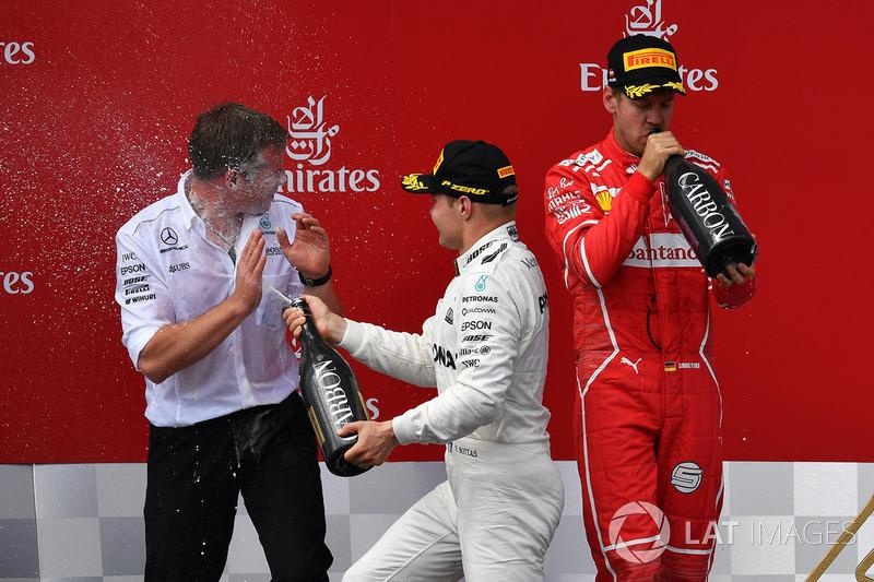 Podium: race winner Valtteri Bottas, Mercedes AMG F1 celebrates on the podium, second place Sebastia