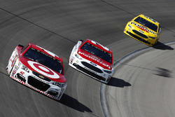 Kyle Larson, Chip Ganassi Racing Chevrolet, Ryan Blaney, Wood Brothers Racing Ford, Joey Logano, Team Penske Ford