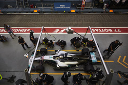 Lewis Hamilton, Mercedes AMG F1 W08, makes a stop during practice