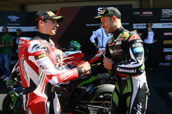 Polesitter Jonathan Rea, Kawasaki Racing; 2. Eugene Laverty, Milwaukee Aprilia