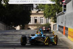 Sébastien Buemi, Renault e.Dams, leadsJean-Eric Vergne, Techeetah