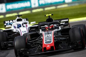 Кевин Магнуссен, Haas F1 Team VF-18, и Лэнс Стролл, Williams FW41