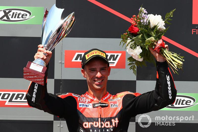 Podio: il secondo classificato Marco Melandri, Aruba.it Racing-Ducati SBK Team