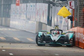 Nelson Piquet Jr., Panasonic Jaguar Racing, Jaguar I-Type 3, causes a yellow flag
