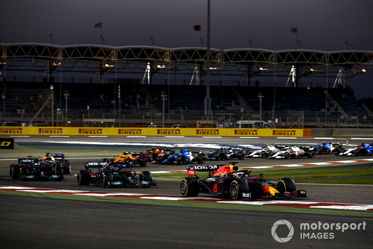 Max Verstappen, Red Bull Racing RB16B Lewis Hamilton, Mercedes W12 and Valtteri Bottas, Mercedes W12