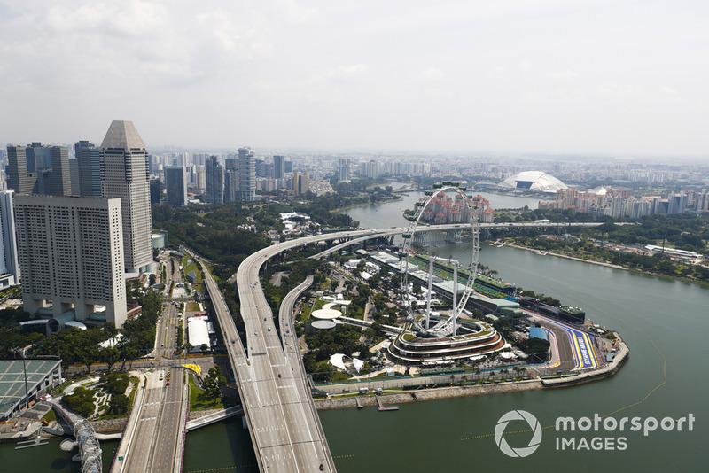 Una vista panorámica de Singapur y el circuito Marina Bay