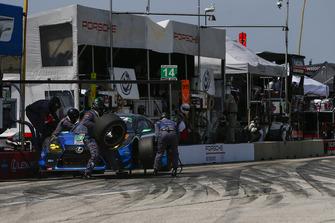 #15 3GT Racing Lexus RCF GT3, GTD - Jack Hawksworth, David Heinemeier Hansson, Pit Stop