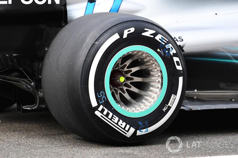 Заднее колесо Mercedes F1 W09