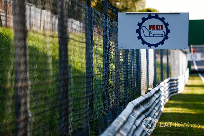 Un panneau du circuit de Monza