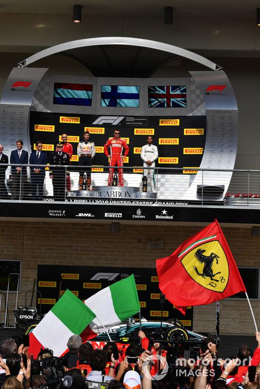 (da Sx a DX): Max Verstappen, Red Bull Racing, Kimi Raikkonen, Ferrari e Lewis Hamilton, Mercedes AMG F1 sul podio