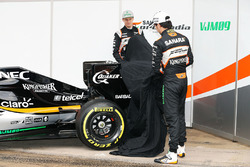 Nico Hulkenberg, Sahara Force India F1 und Sergio Perez, Sahara Force India F1 enthüllen den Sahara