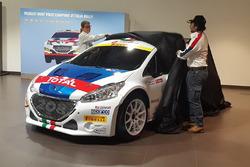 Paolo Andreucci e Anna Andreussi svelano la Peugeot 208 T16