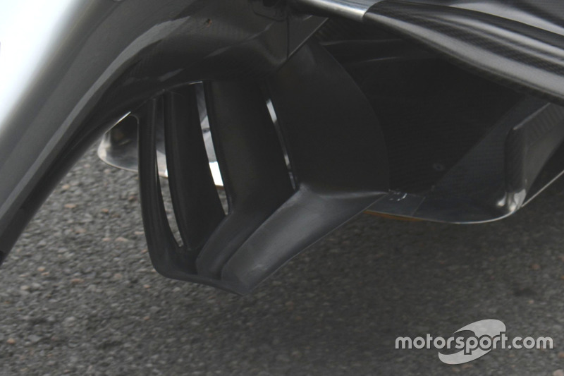 Mercedes AMG F1 W07 Hybrid rear wing detail