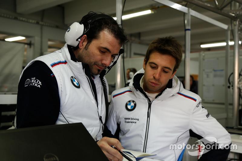 Engineer Marco Schüpbachl with António Félix da Costa, BMW Team Schnitzer