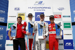 Podyum: kazanan Maximilian Günther, Prema Powerteam Dallara F312 – Mercedes-Benz; ikinci sıra Ralf Aron, Prema Powerteam Dallara F312 – Mercedes-Benz; üçüncü sıra Guanyu Zhou (CHN) Motopark Dallara F312 – Volkswagen