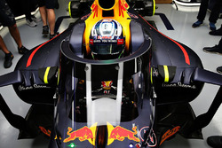 Daniel Ricciardo, Red Bull Racing RB12, con l'aeroscreen