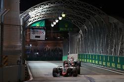 Romain Grosjean, Haas F1 Team VF-16 leas team mate Esteban Gutierrez, Haas F1 Team VF-16