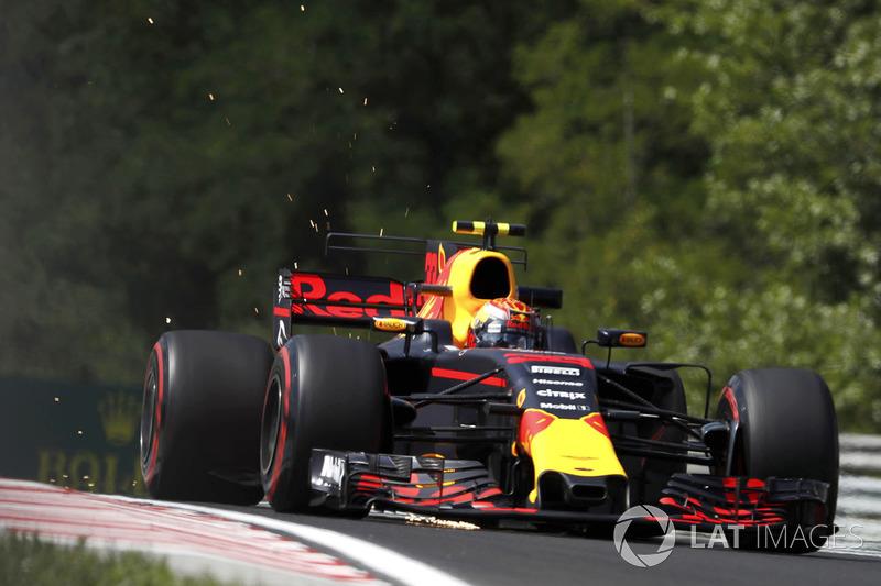 Funkenflug: Max Verstappen, Red Bull Racing RB13