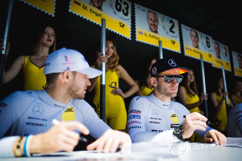 Маро Енгель, Mercedes-AMG Team HWA, Mercedes-AMG C63 DTM, та Едоардо Мортара, Mercedes-AMG Team HWA, Mercedes-AMG C63 DTM