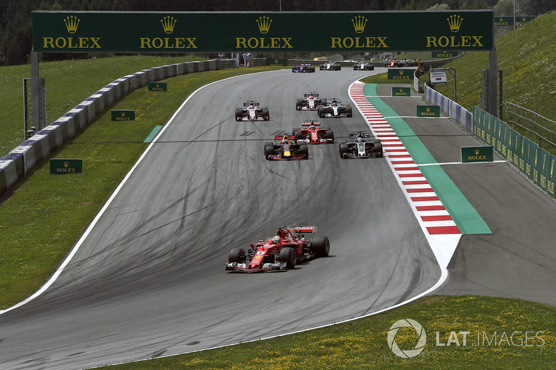Себастьян Феттель, Ferrari SF70H, старт гонки