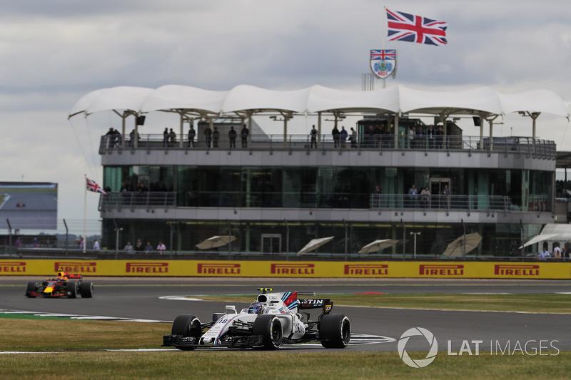 Lance Stroll, Williams FW40, Max Verstappen, Red Bull Racing RB13