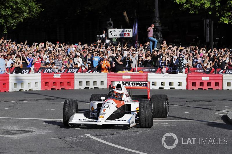 Stoffel Vandoorne, McLaren, dans une McLaren MP4/6 de 1991