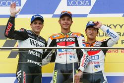 Podium: winner Valentino Rossi, second place Alex Barros, third place Tohru Ukawa