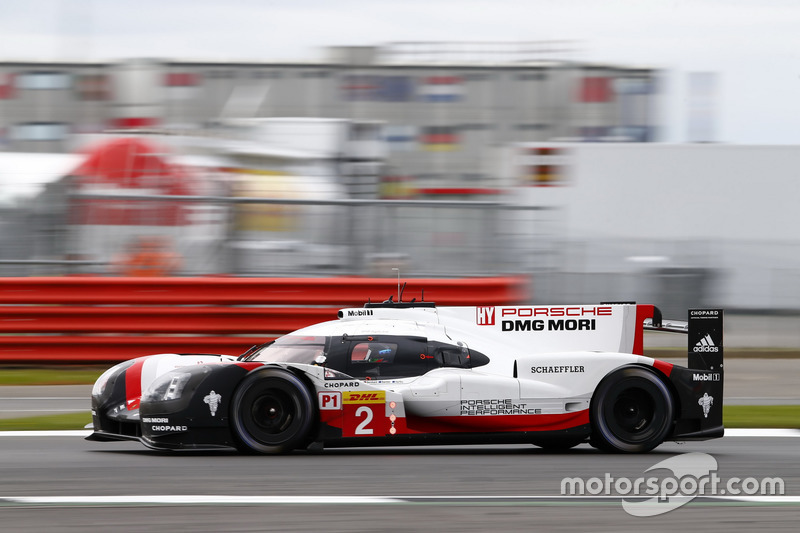 #2 Porsche Team Porsche 919 Hybrid: Timo Bernhard, Earl Bamber, Brendon Hartley