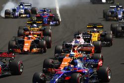 Marcus Ericsson, Sauber C36, Carlos Sainz Jr., Scuderia Toro Rosso STR12,Fernando Alonso, McLaren MCL32, Sergio Perez, Sahara Force India F1 VJM10, Stoffel Vandoorne, McLaren MCL32, Nico Hulkenberg, Renault Sport F1 Team RS17, Jolyon Palmer, Renault Sport
