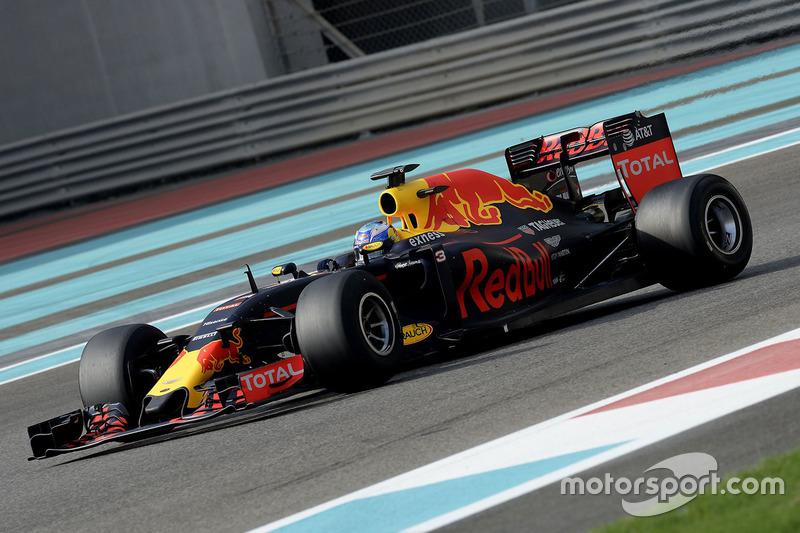 Daniel Ricciardo, Red Bull Racing prueba los nuevos neumáticos Pirelli 2017