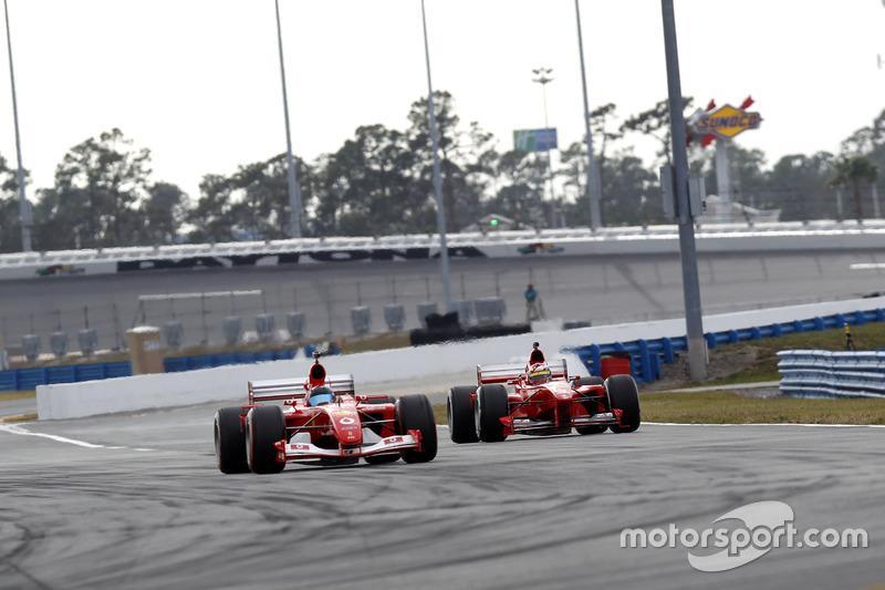 Ferrari F2001B y Ferrari F399