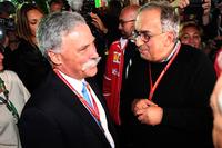 Chase Carey, Director Ejecutivo y Presidente Ejecutivo de la Formula One Group y Sergio Marchionne, CEO FIAT  en el 70 aniversario de Ferrari