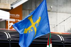 Flag of support for Fernando Alonso, McLaren
