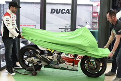 Cal Crutchlow, Team LCR Honda, Aaron Slight, Diseño Cal Castrol Honda