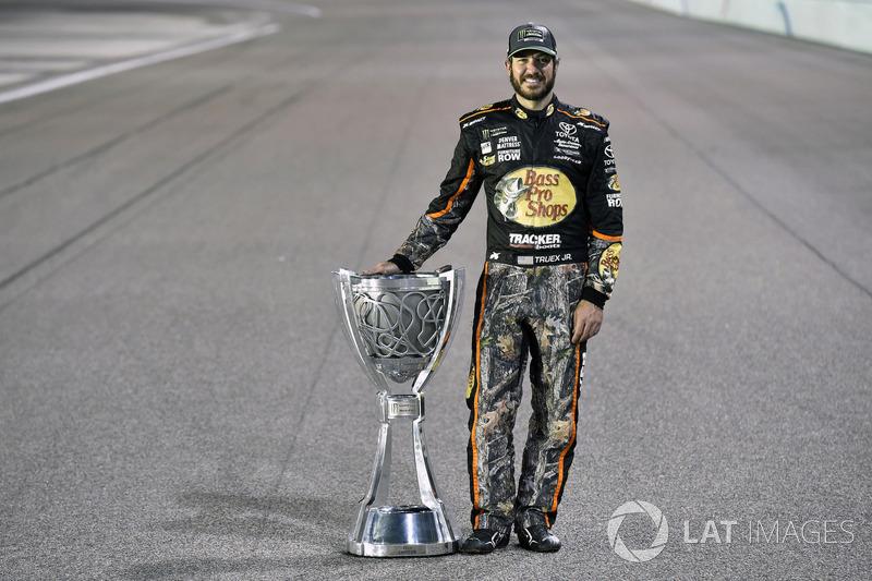 NASCAR Cup: Мартін Труекс-мол. (США)