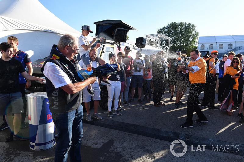 Гонки на плотах: спортивный консультант Red Bull Хельмут Марко