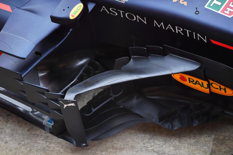 Red Bull Racing RB14 sidepod ve bargeboard detay