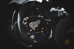 Detalle del volante de Ferrari