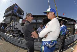 Graham Rahal, Rahal Letterman Lanigan Racing Honda chats with Indycar Steward Max Papis