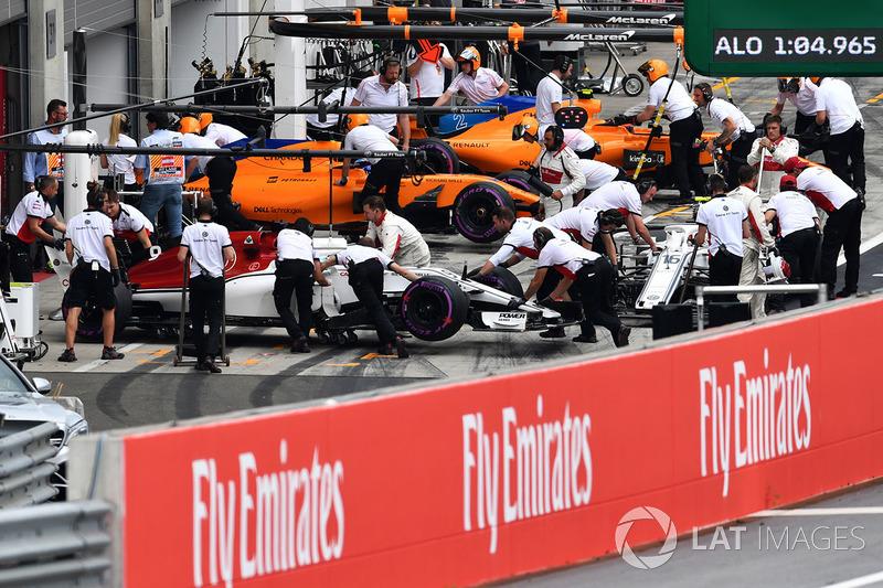 Marcus Ericsson, Sauber C37 et Charles Leclerc, Sauber C37