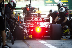 Kevin Magnussen, Haas F1 Team VF-17, in the pits