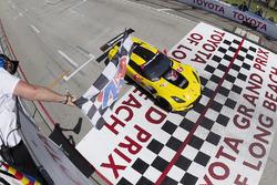 #4 Corvette Racing Chevrolet Corvette C7.R, GTLM: Oliver Gavin, Tommy Milner takes the class win